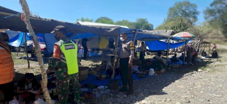 Sinegritas TNI - Polri Berikan Edukasi Masyarakat Cegah Penyebaran Covid 19