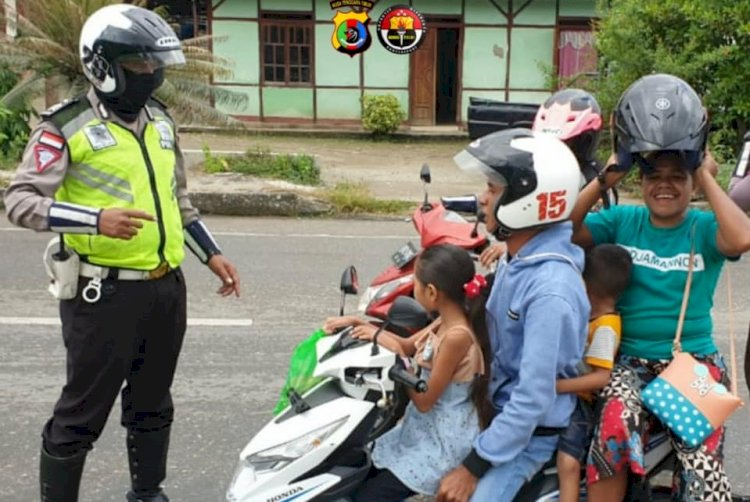 Sat Lantas Polres TTU Gencar Ingatkan Pengendara pakai masker