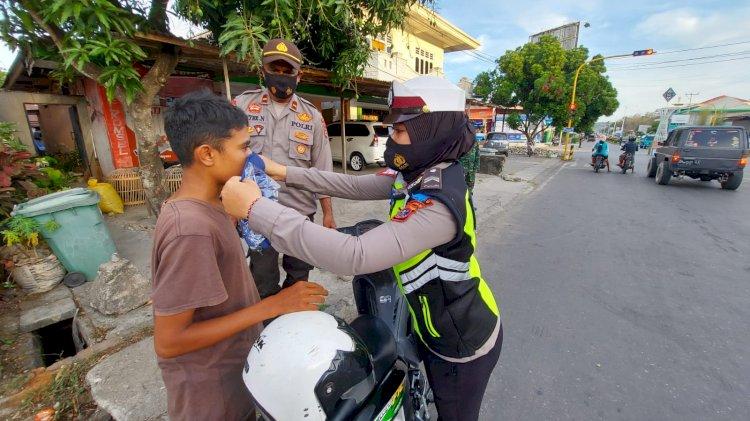 Operasi Patuh Ranakah 2021 di TTU, Sejumlah Pengendara Diberi Masker