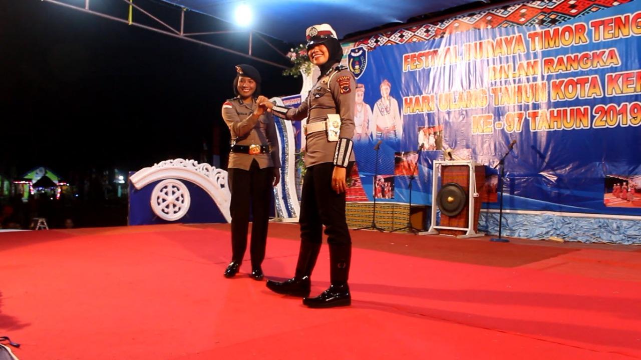 Dikemas Dalam Fashion Show Polwan Polres TTU Kenalkan Seragam Baru Polri