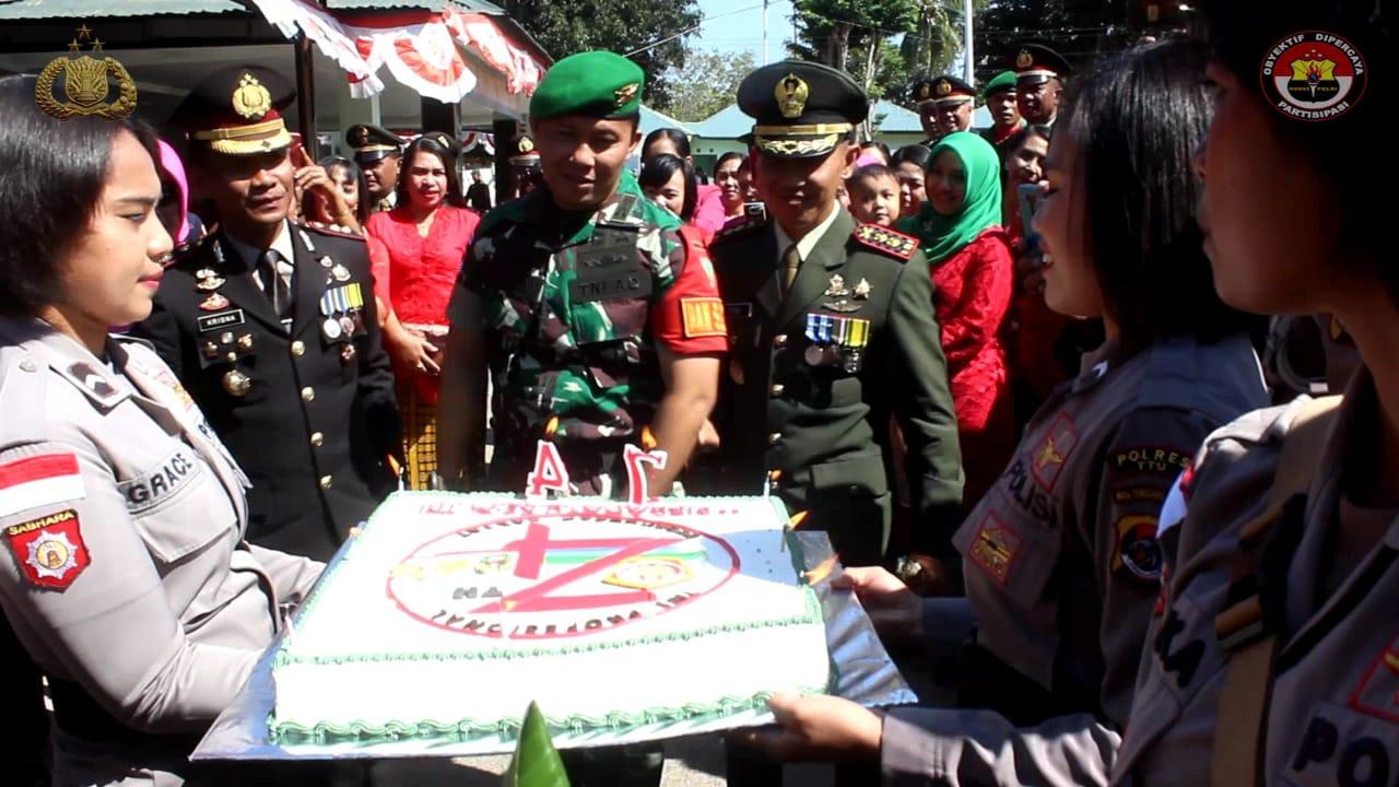 Polres TTU Berikan Kejutan HUT TNI Ke 74